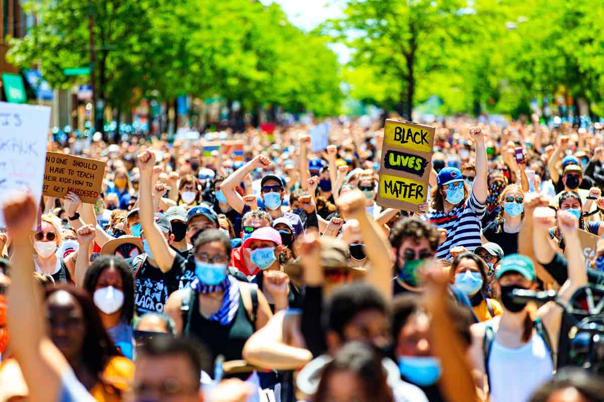 A large crowd at a Chicago demonstration on June 6, 2020.